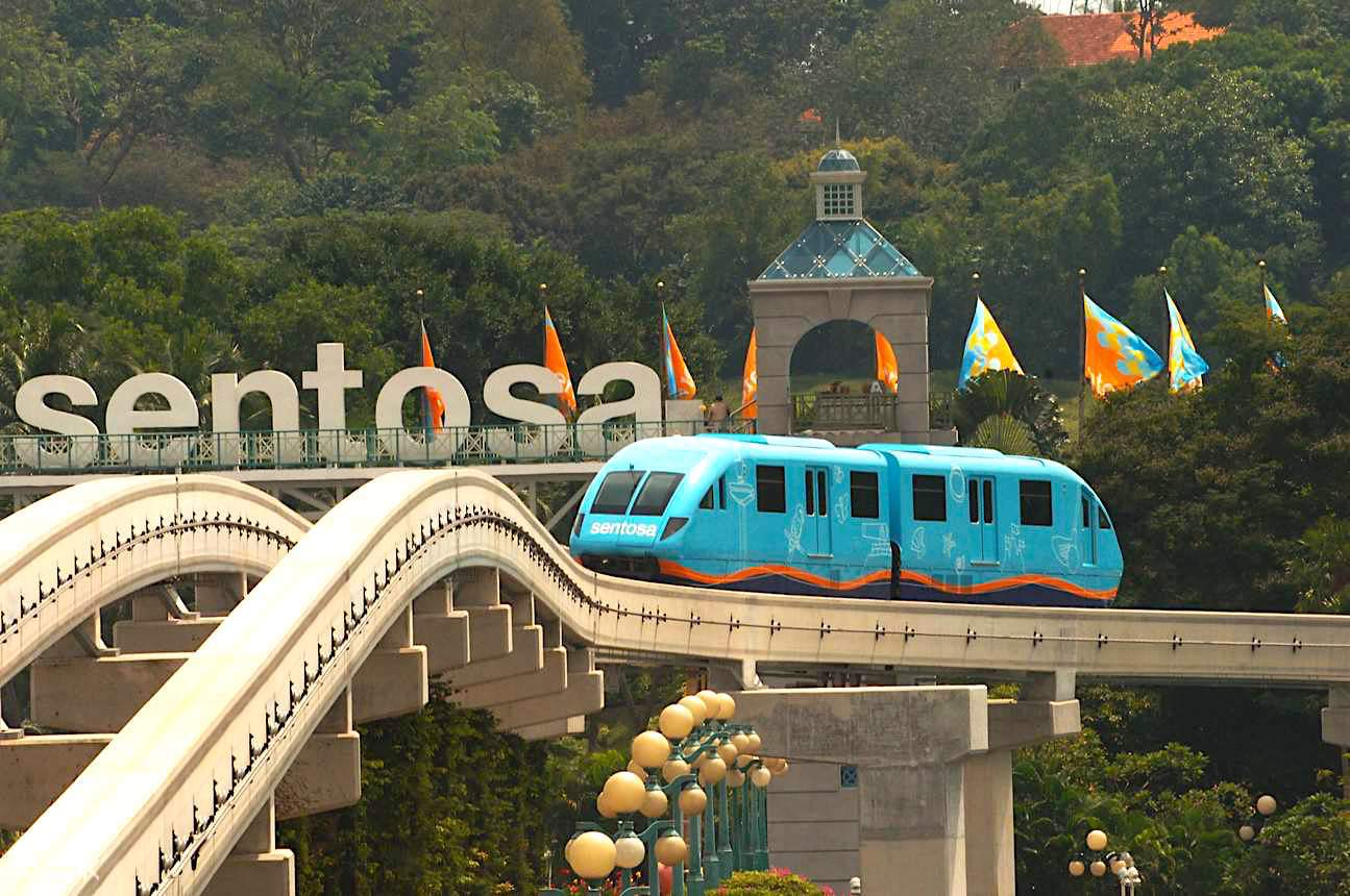 Sentosa Express monorail em Singapura. Foto:  Klook