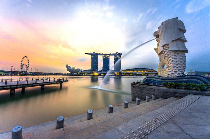 Singapore Highlights - Visita guiada de Singapura em Português incluindo as principais atrações da cidade-estado e a visita de 3 ou 4 bairros étnicos.