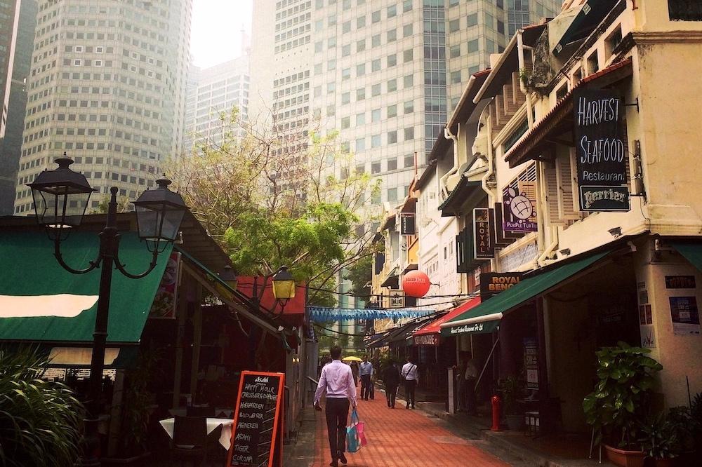 Combo A: Civic District & Gardens by the Bay - Visita guiada do distrito colonial de Singapura em Português incluindo marcos da cidade como o Merlion, o Marina Bay Sands e o Gardens by the Bay.