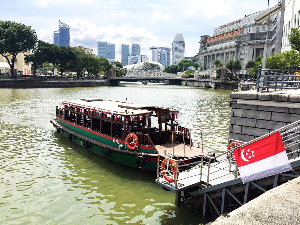River Cruise - Passeio de barco pelo Rio Singapura (30 minutos).Último barco às 20h.