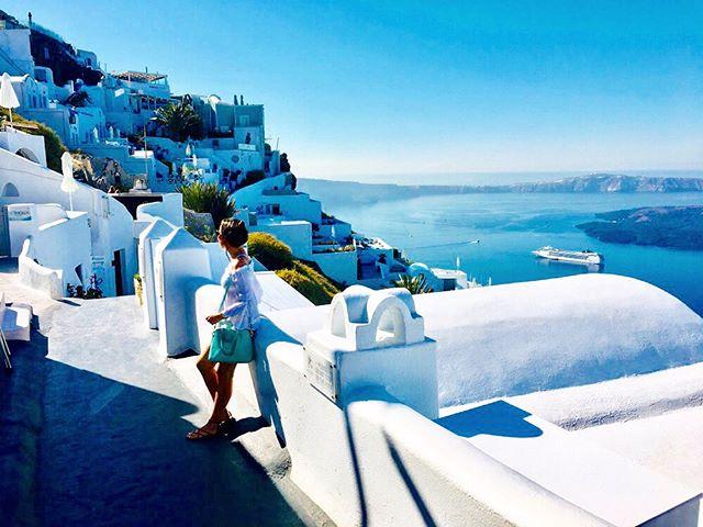 A vida é azul em Santorini 🇬🇷 . . Life is blue in Santorini 💎 . . #santorini #grecia #greece #greek #imerovigli #imeroviglisantorini #grèce #greece🇬🇷 #mediterranean #missãovt #revistaviajar #revistaqualviagem #viagemtop #viajarepreciso #viajarfazbem #amazingplaces #aroundtheworld  #morarfora #morarforadobrasil #realidades