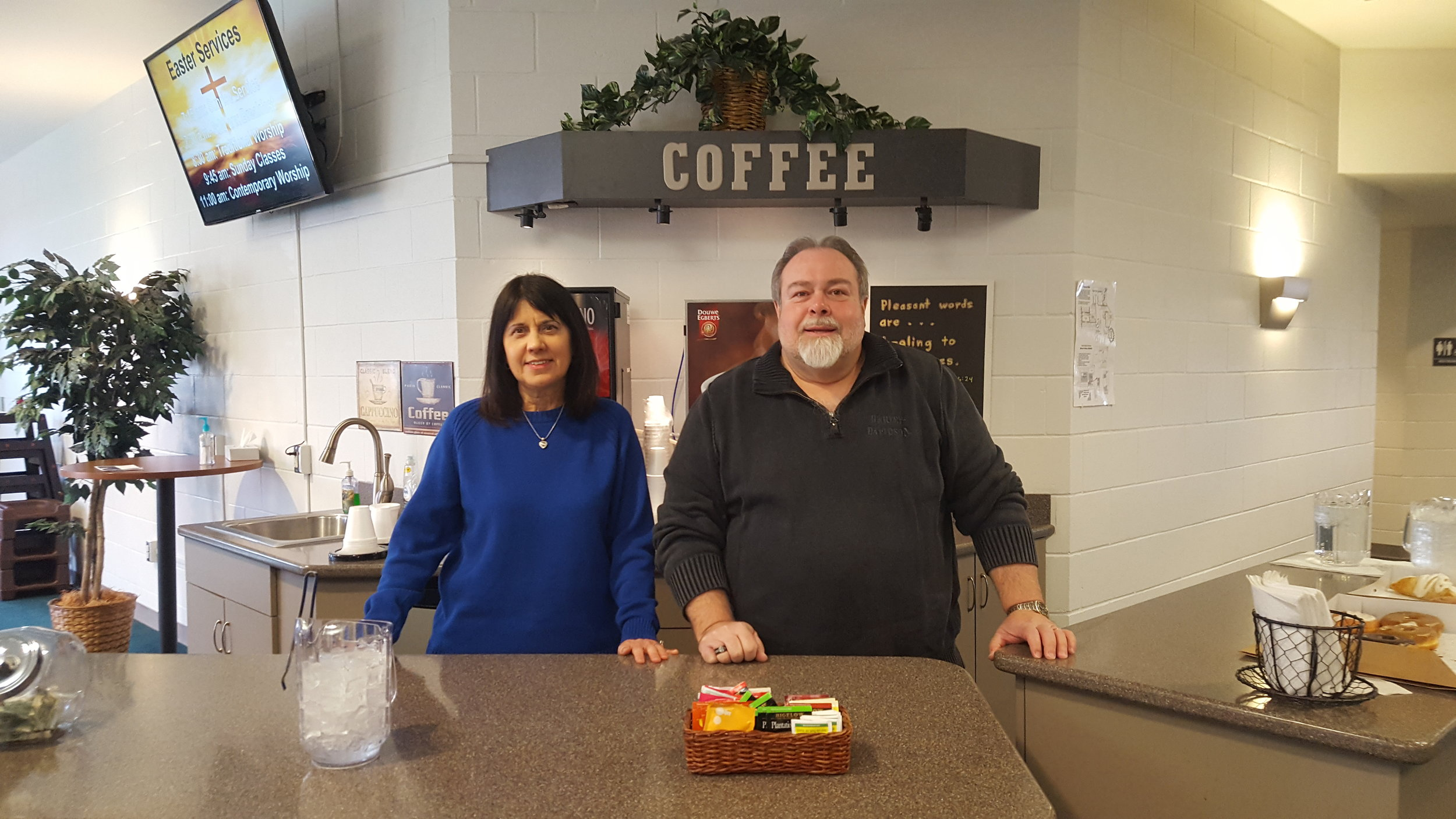 Hot beverages are available at the coffee bar - help yourself any time!