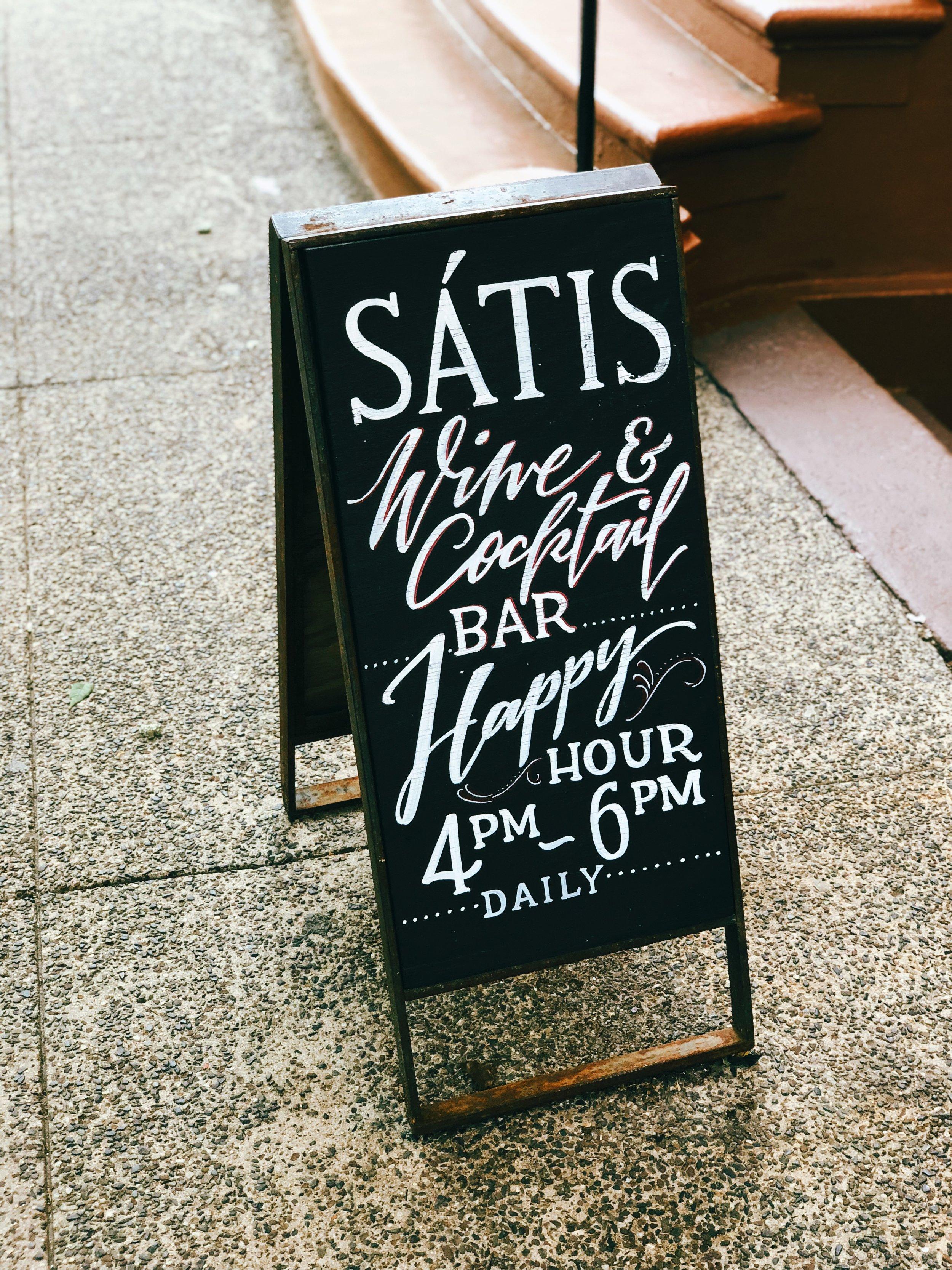 Satis Bistro_signage