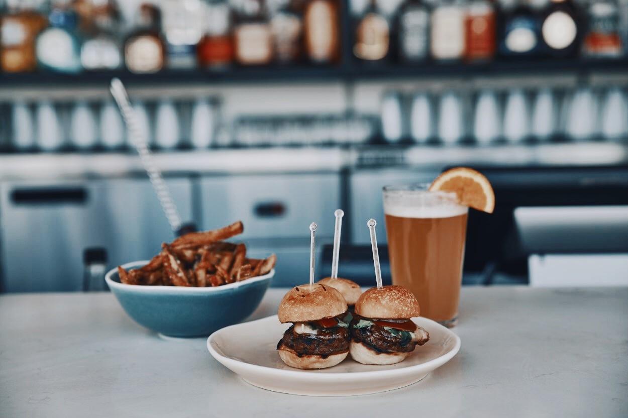 Terrasse William Gray_Mini Burgers Truffle Fries.jpg