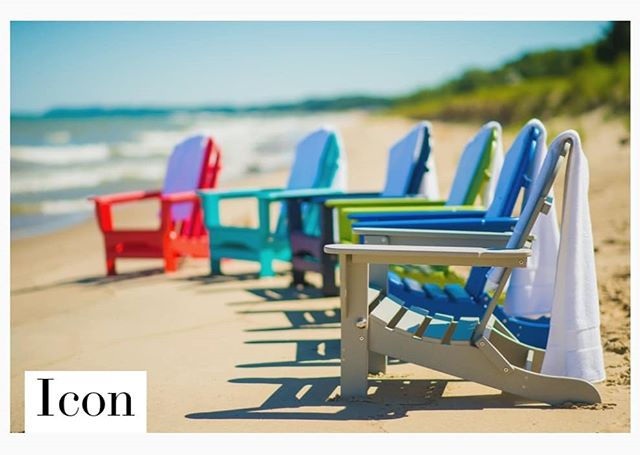 Happy Labor Day! We hope you are having a wonderful weekend! #laborday #laborday2018 #endofsummer #summervibes #durogreenoutdoor #durogreenoutdoorfurniture #adirondack #recycled #recycledfurniture #outdoorliving #outdoordecor