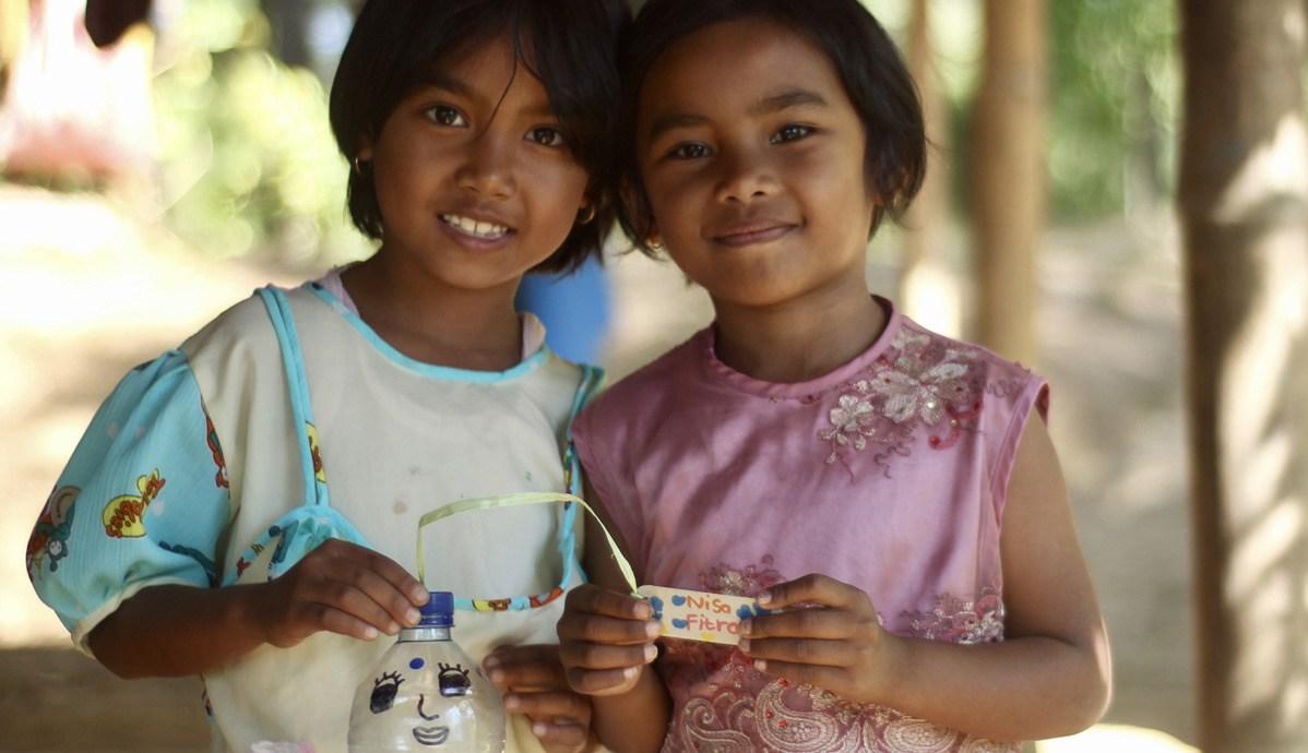 toraja_indonesia_kids.jpg
