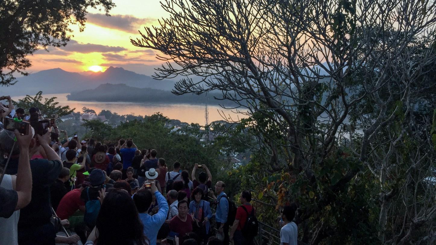 Phu_si_hill_sunset.jpg