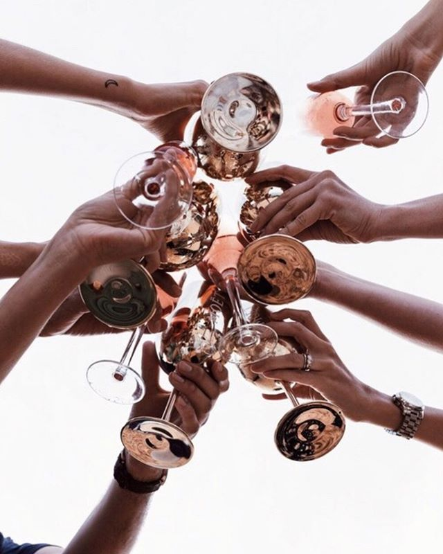 C H E E R S 〰️ May your #LabourDay long weekend be filled with wine and good times 💫  by @florhalmist