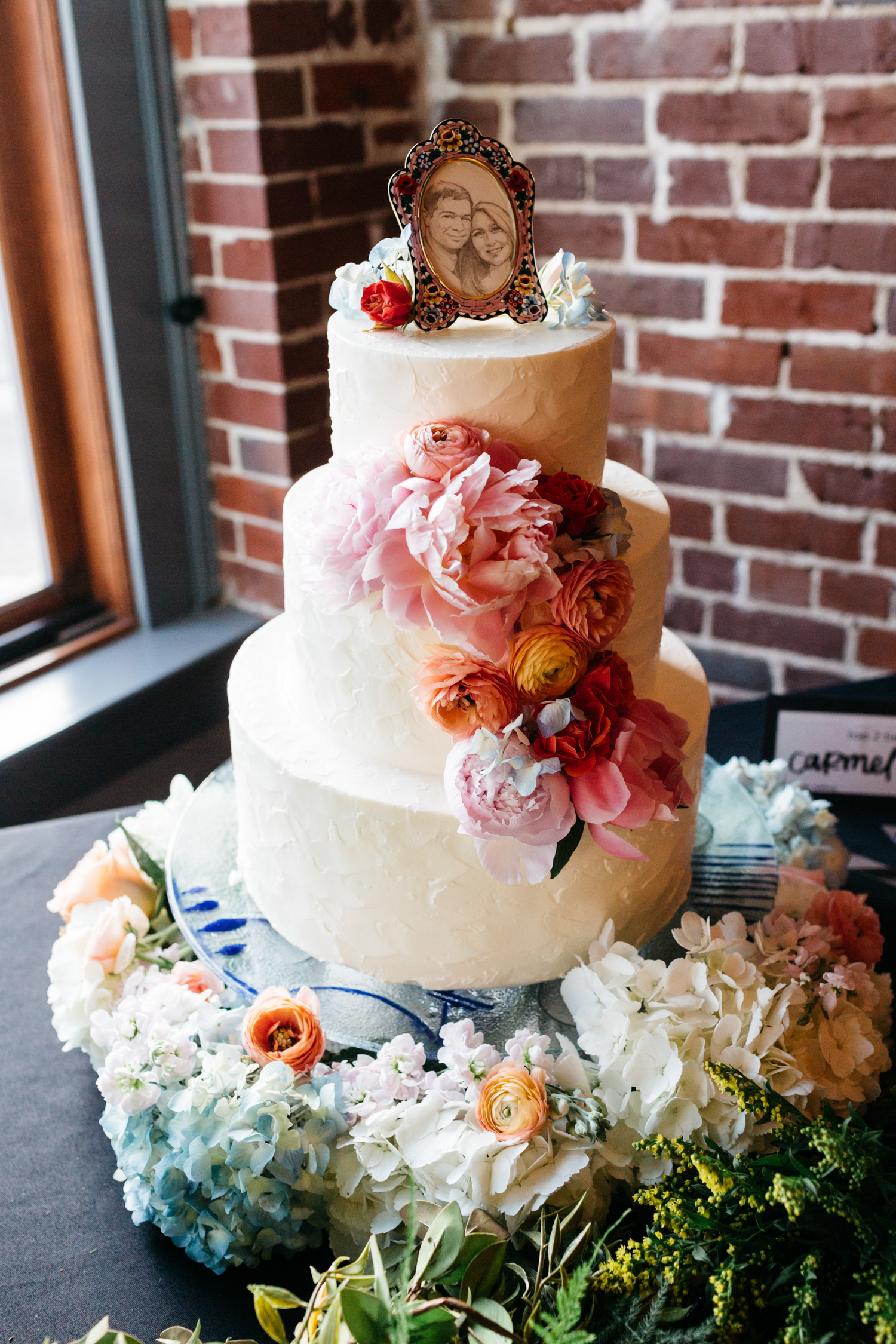 Standard Downtown Knoxville Wedding Venue Central Avenue Happy Holler Magpies Cakes