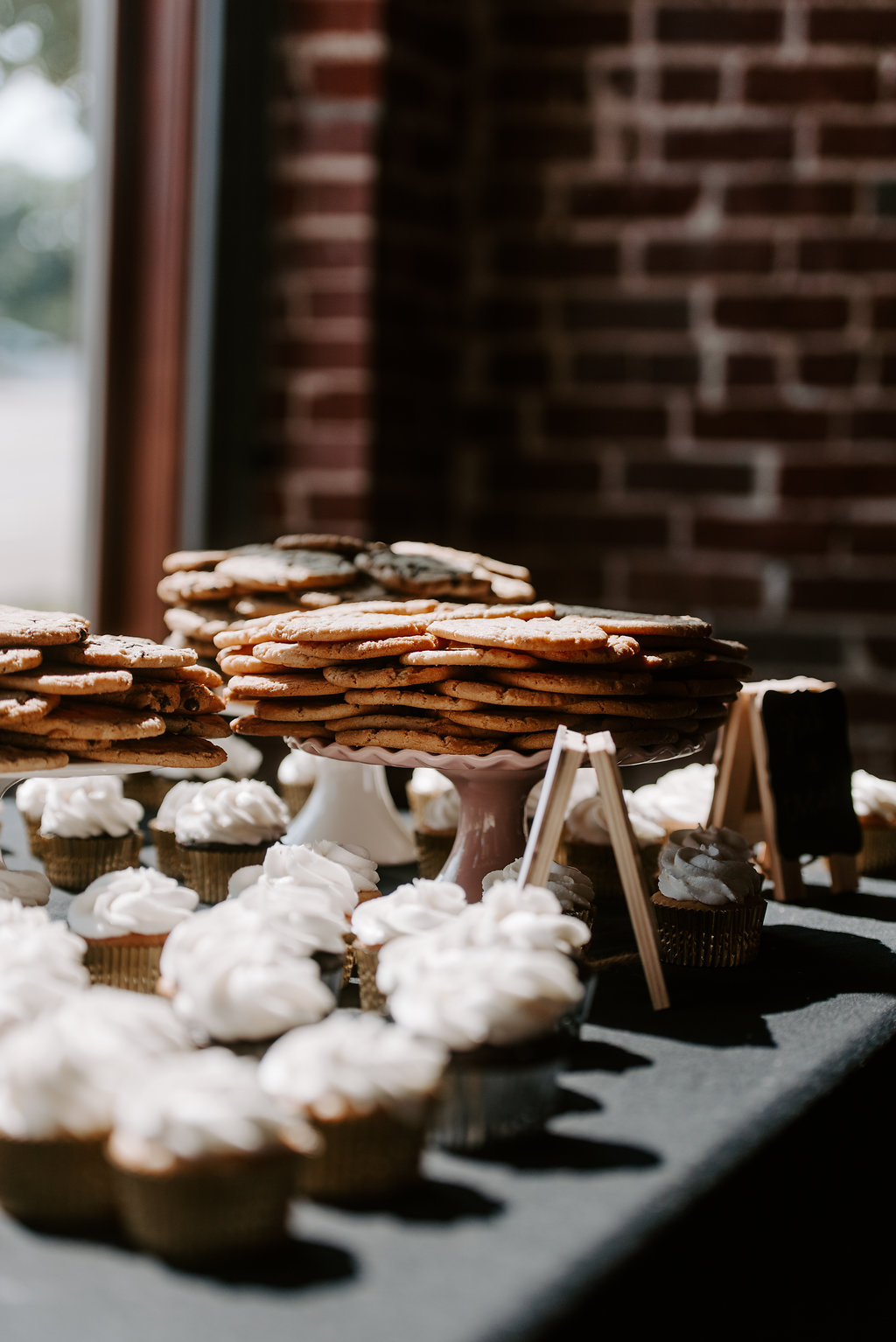 Standard Downtown Knoxville Wedding Venue Cookies Cupcakes