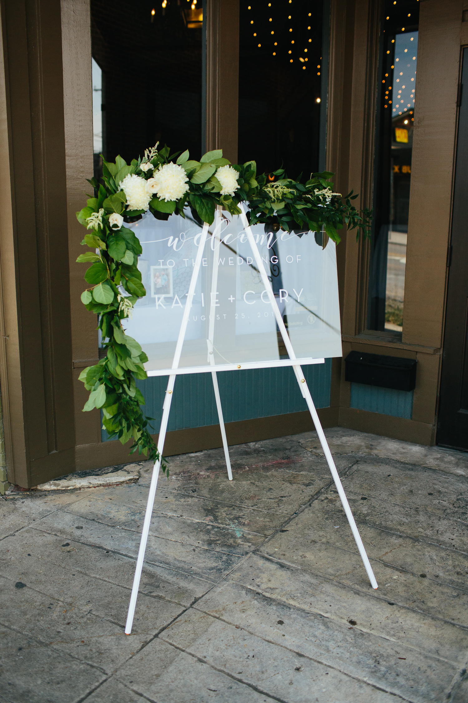 Downtown Knoxville Wedding Reception Venue // Botanical Wedding // Welcome Sign