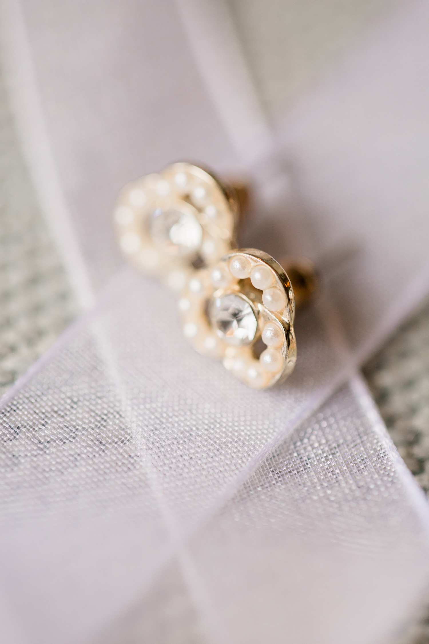 Downtown Knoxville Wedding Venue // Central Avenue Reception // Wedding Earrings