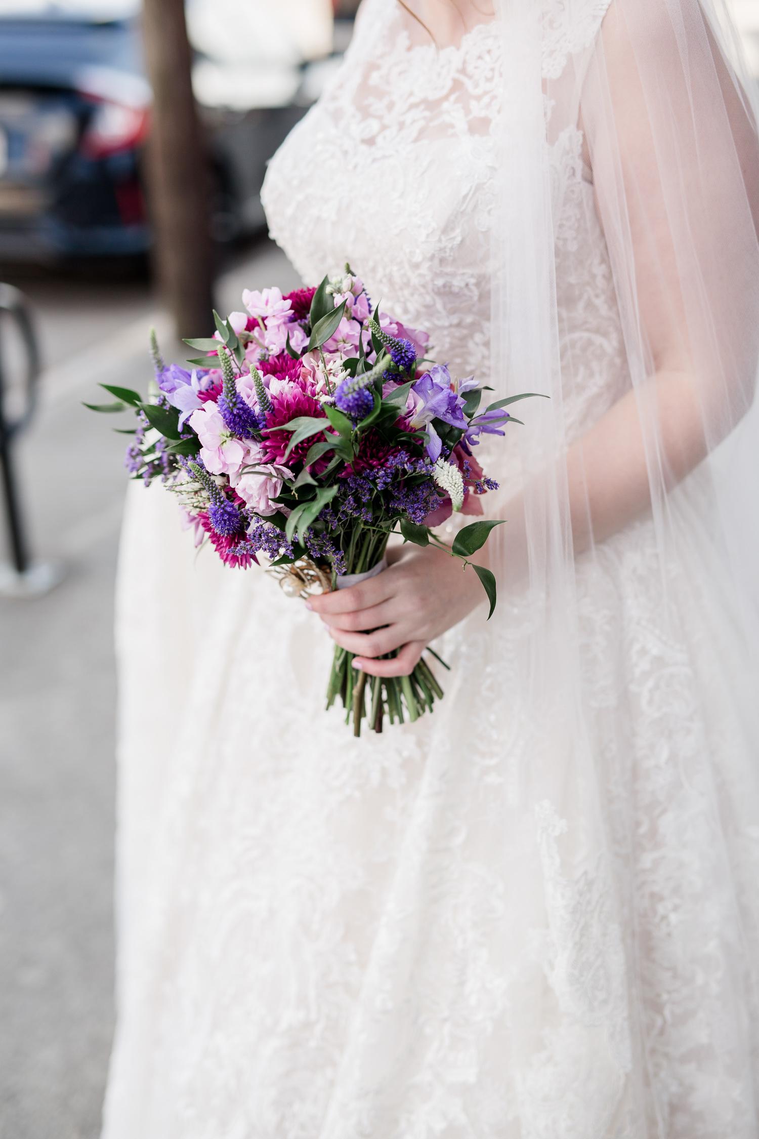 Downtown Knoxville Wedding Venue // Central Avenue Reception // Bridesmaids // Relix Knoxville Floral Design