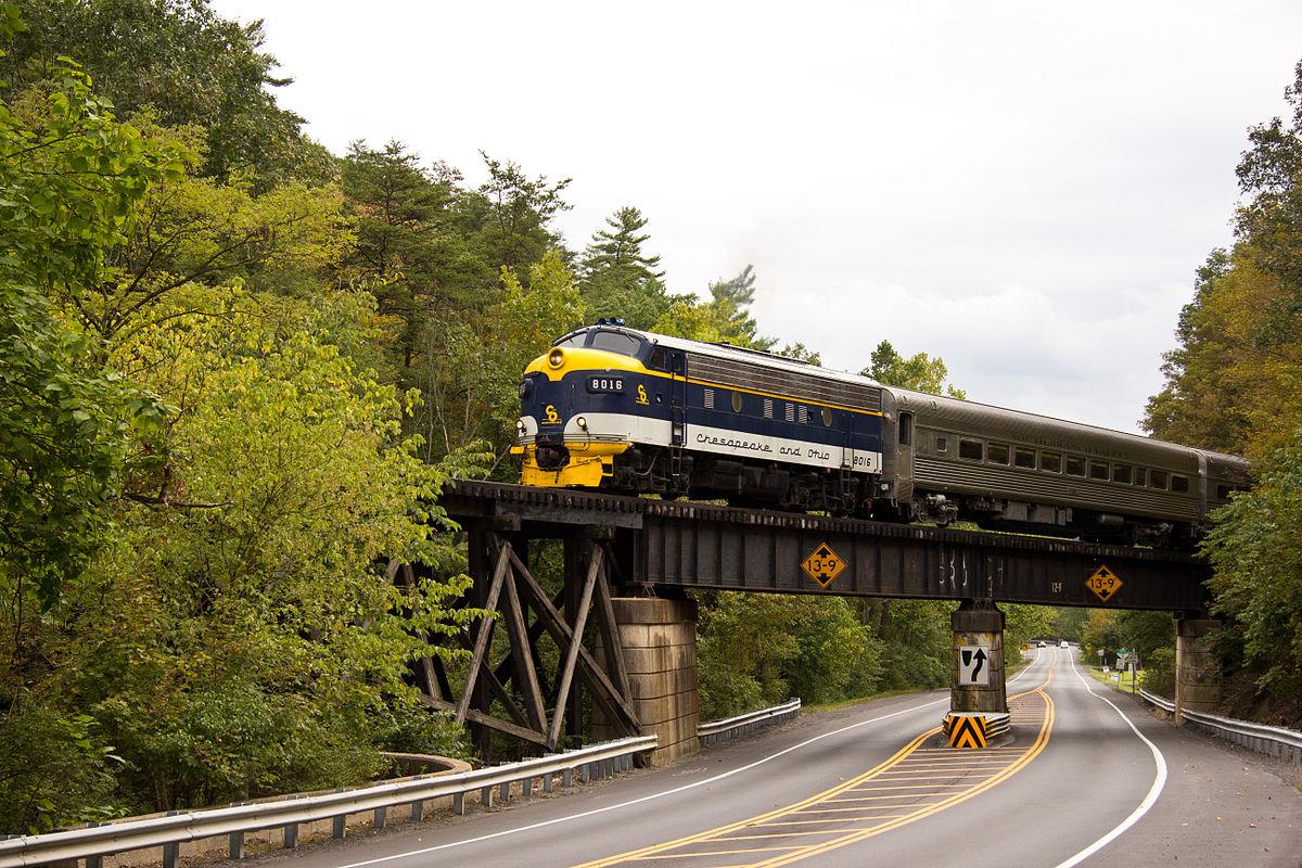 The_Potomac_Eagle_Crosses_WV_Route_28_(6170081665).jpg