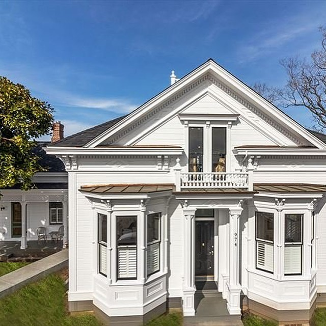 Did you know you can rent the entire Chapman House for a total of 5 bedrooms & 4 bathrooms when you include our Cottage and Suite? (The Cottage and Suite are perfect for a 2-person getaway of course.) A great family reunion spot or a getaway with friends. And only steps from of Arcata's best restaurants and activities!