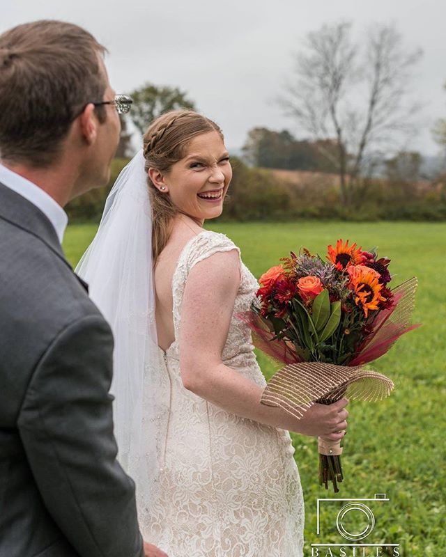 Love catching these candid moments. . . . . . #syracusephotographer #familyphotographer #weddingphotographer #fallwedding #weddingpose #2018wedding  #fall #2018 #syracusephotography #syracuse #weddingphotography #pose #posing #bouquet #syracuseweddingphotographer #brideandgroompose #fallcolors #brideandgroom #holdmytrain #candid #candidmoment