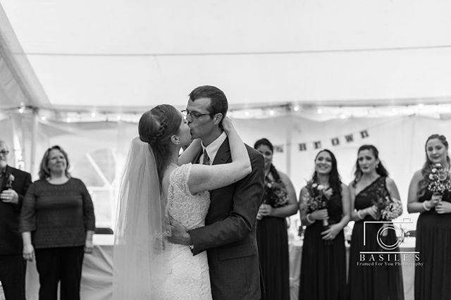 Such an intimate first dance capture ❤️ . . . . . . #syracusephotographer #familyphotographer #weddingphotographer #fallwedding #weddingpose #2018wedding  #fall #2018 #syracusephotography #syracuse #weddingphotography #pose #posing #syracuseweddingphotographer #brideandgroompose #blackandwhite #blackandwhitephotography #brideandgroom #firstdance #candid #candidmoment #bokeh