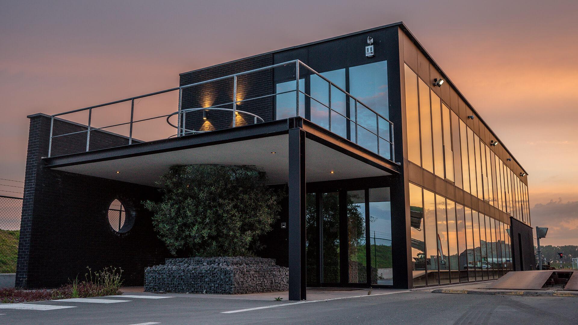 Ons kantoor - Blikken - Haven 13309130 VerrebroekT:+32 (0)3 773 18 38E:project@smet-aannemingen.be