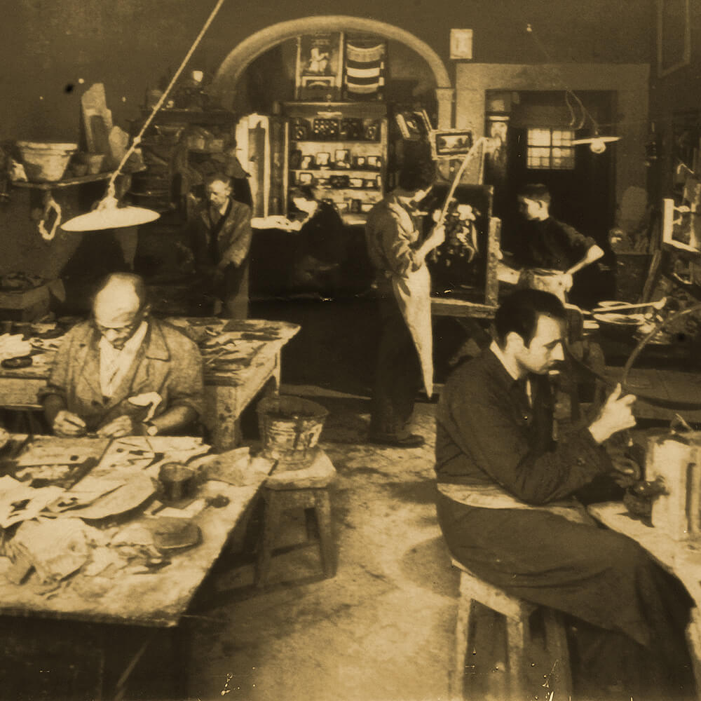 The workshop of pietra dura - in Pitti Square, Florence, acquired by Ilio in 1982.