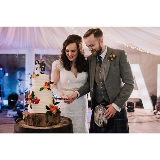K&A 🧡 Check out this gorgeous pair #meetthemayberrys 😍 see more of their beautiful day over on @chicphotobyjacqui blog. See if you can spot the brides nails! 😍❤️ thank you for the flowers @thefloraldesignboutique xx #tbt #thecowshedcrail #scottishwedding #buttercreamcake