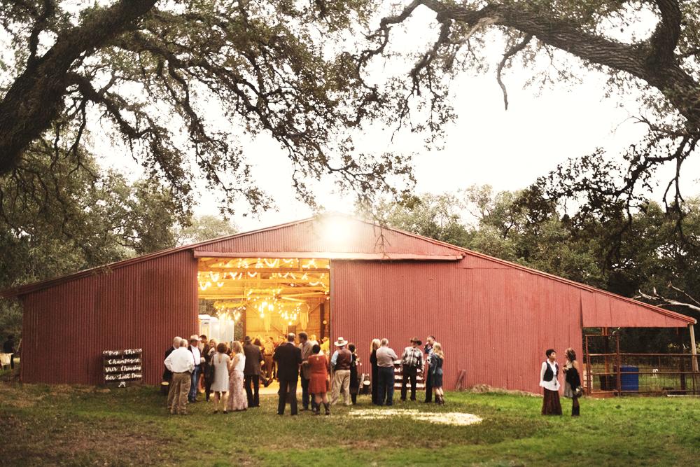 rustic barn wedding Texas old oaks ranch