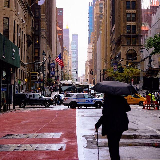 Pedestrian oasis. Traffic nightmare. UN in session. Trump in town. . . #trafficjam #uninsession #manhattanstreets #rain #urban_shots #streetlife #fujifilm