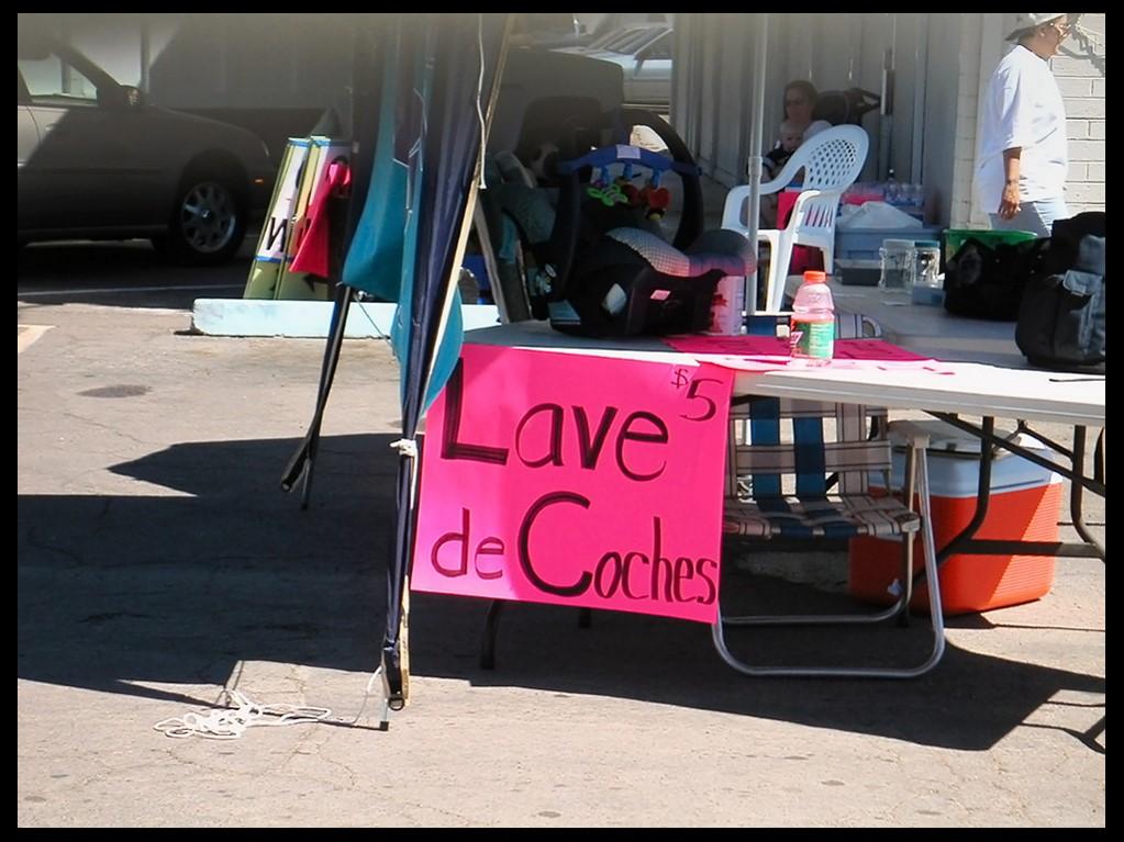 ¡Lave de coches! ¡Solo cinco dólares!
