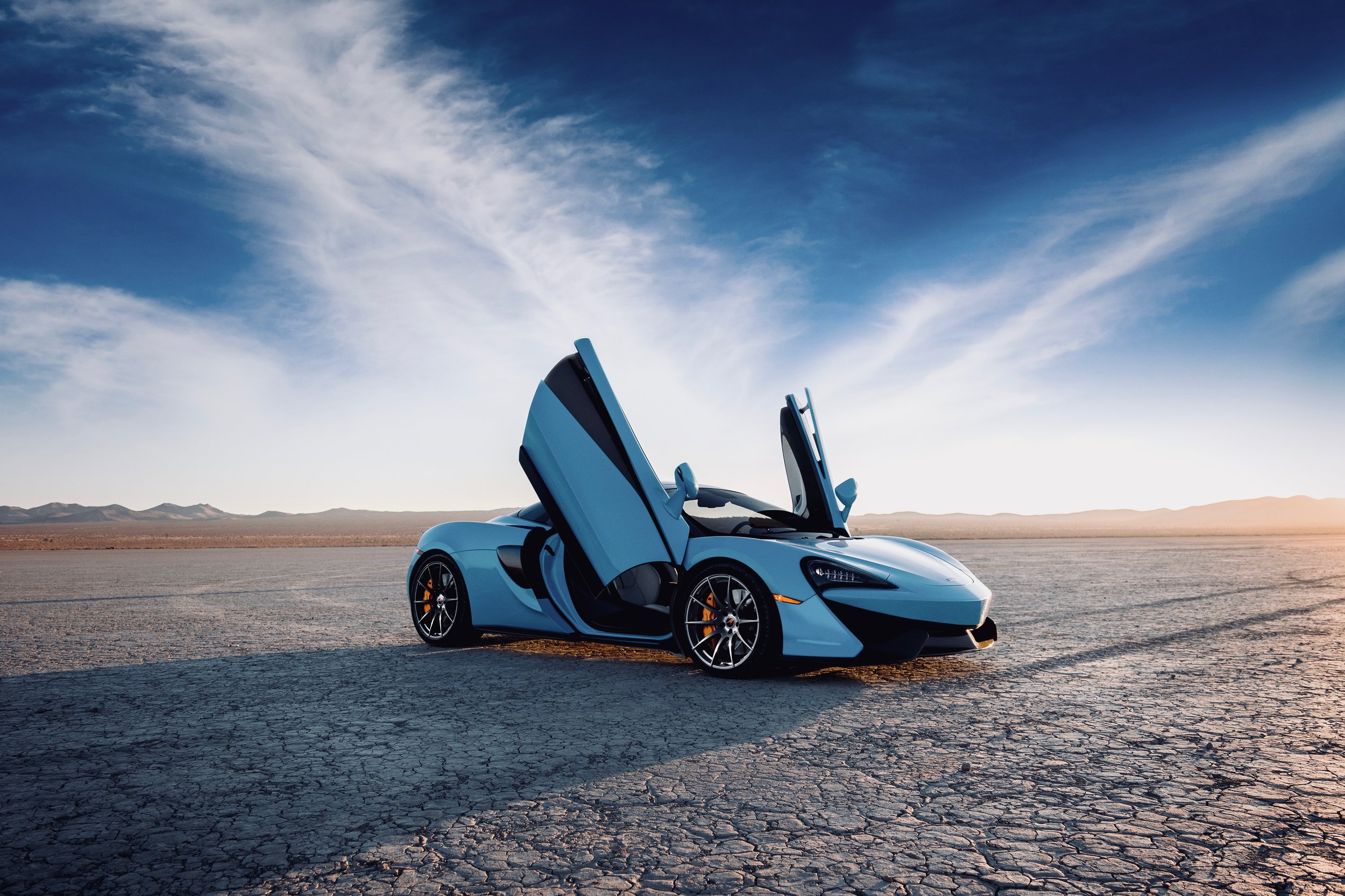 motorcars of atlanta 570S_Spider_Doors_Open_Image (1).jpg