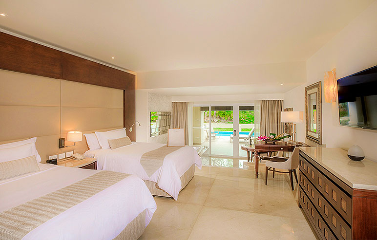 Grand Deluxe Room Resort View  TORONTO - CANCUN 7 NIGHT PACKAGE  DOUBLE OCCUPANCY: $2200 CAD PER PERSON  CHILD (AGES 2-17): $699 CAD PER CHILD (WHEN SHARING A ROOM WITH TWO ADULTS)