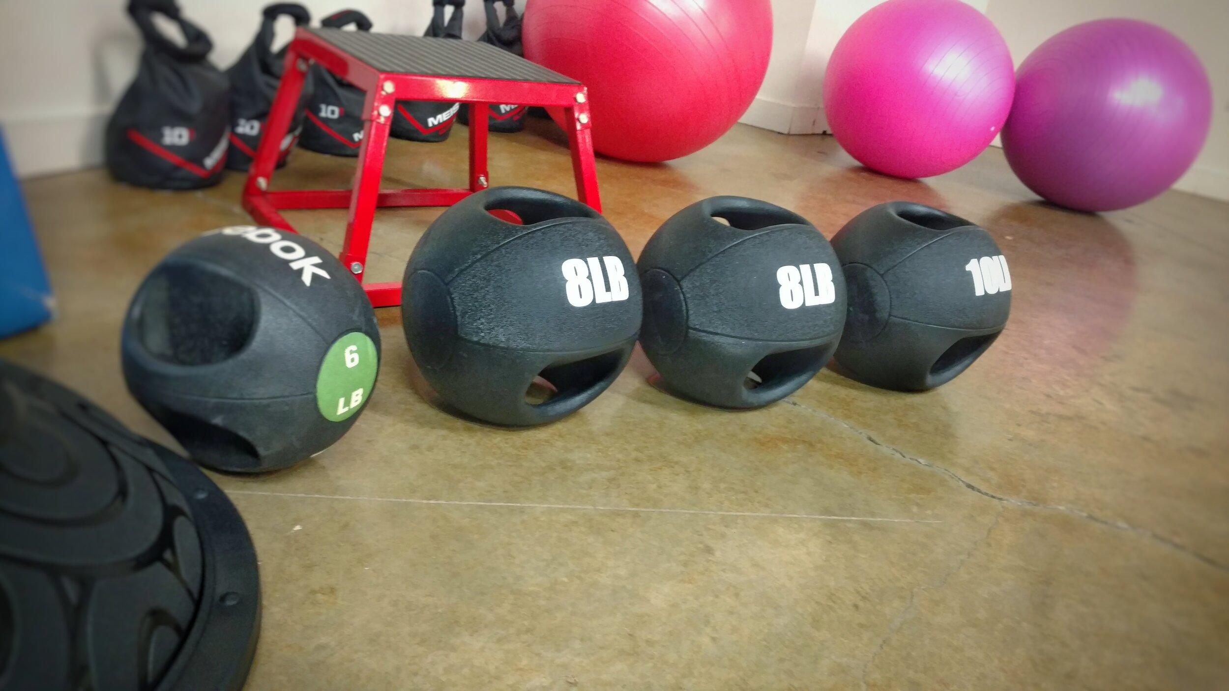 Exercise Balls Kinds Sizes With Exercises Dale Maynor Fitness Training