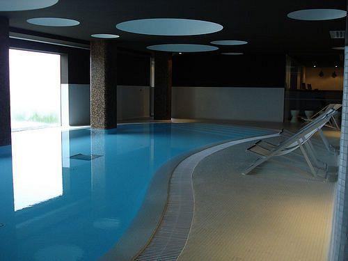 memmo pool indoor.jpg