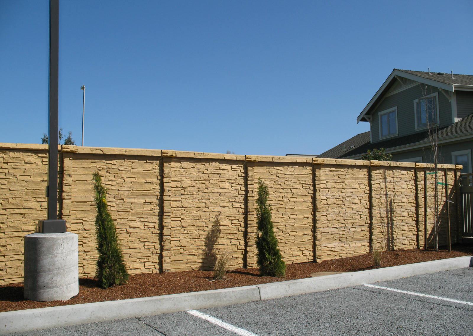 ChiselStone Concrete Fence.jpg