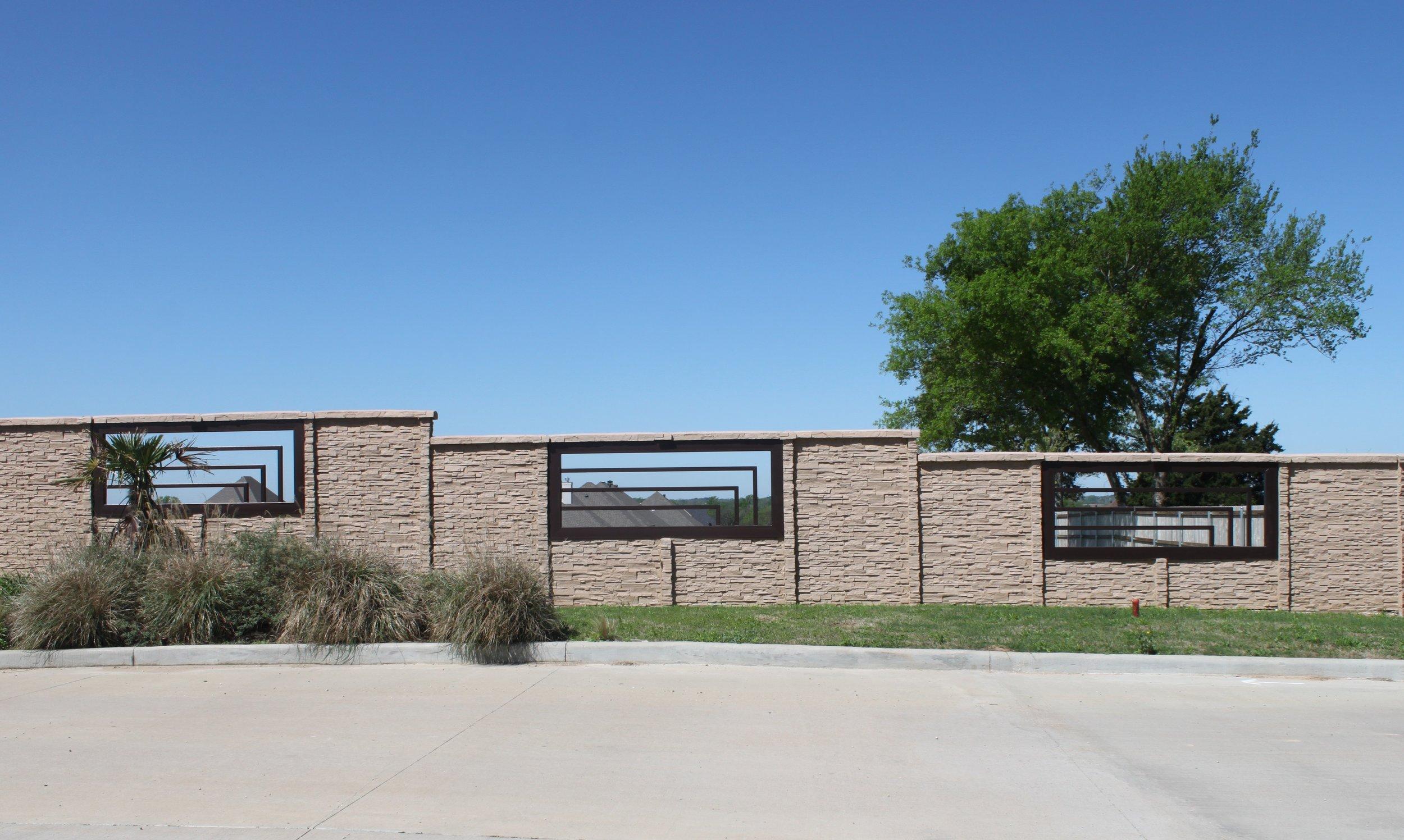 ChiselStone Concrete Fence Tyler TX.JPG