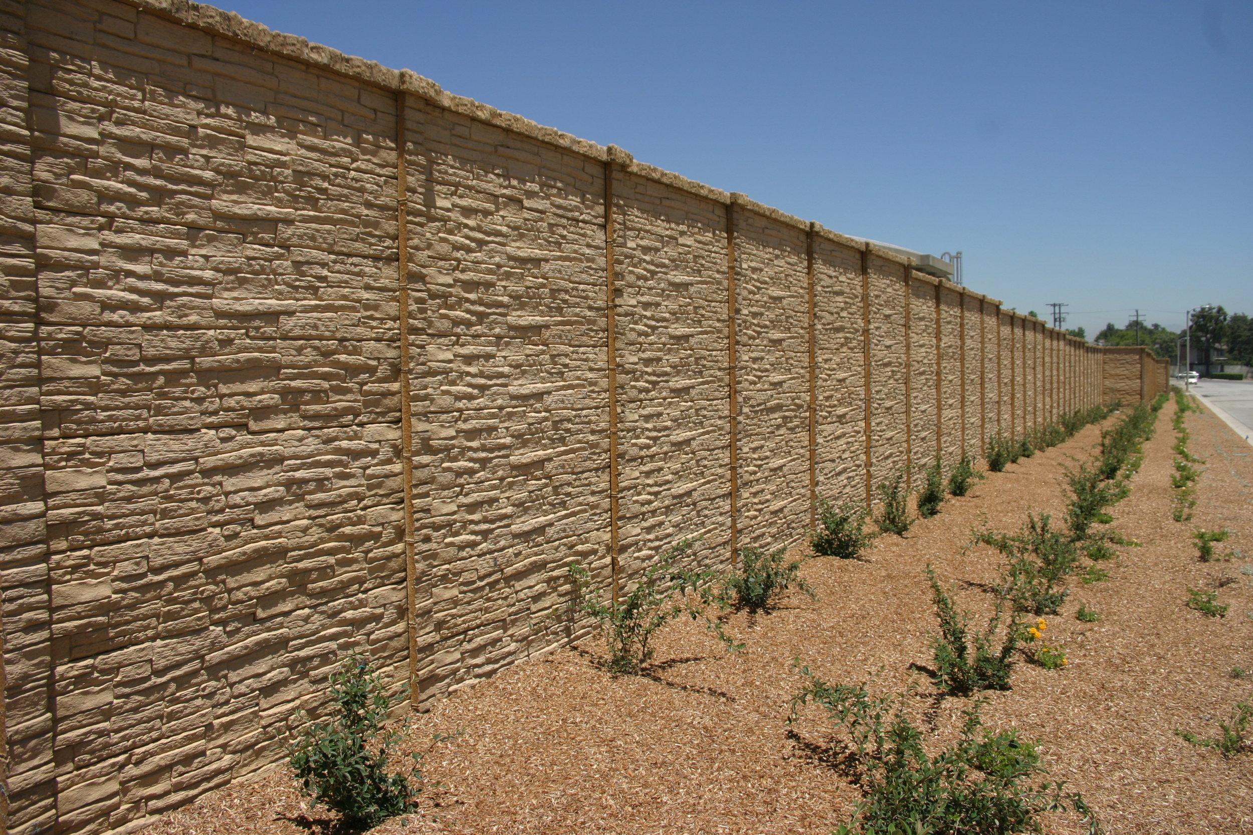 Preacst Concrete Fence StackedStone.JPG