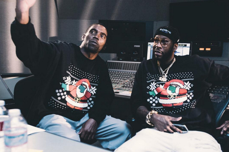 2 Chainz Dabbin Santa Sweater.jpg