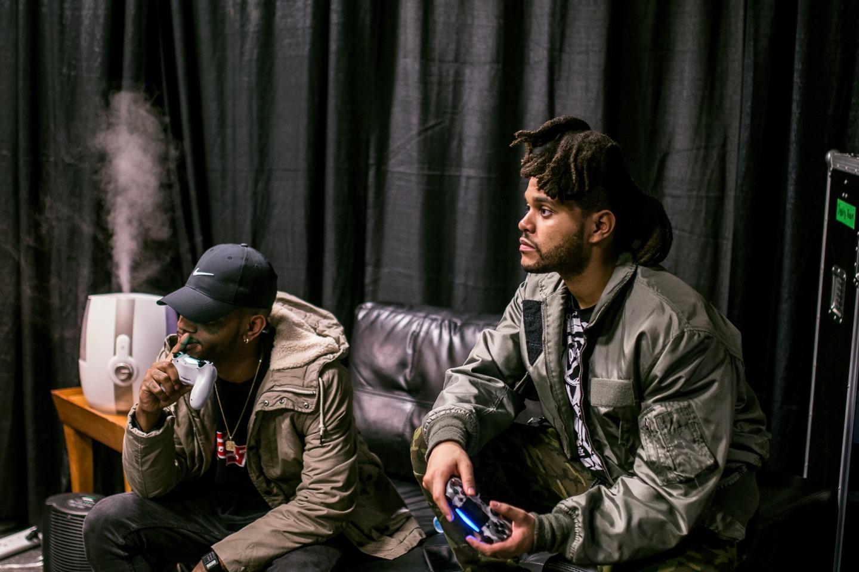 Photo: Byron Tiller & The Weeknd