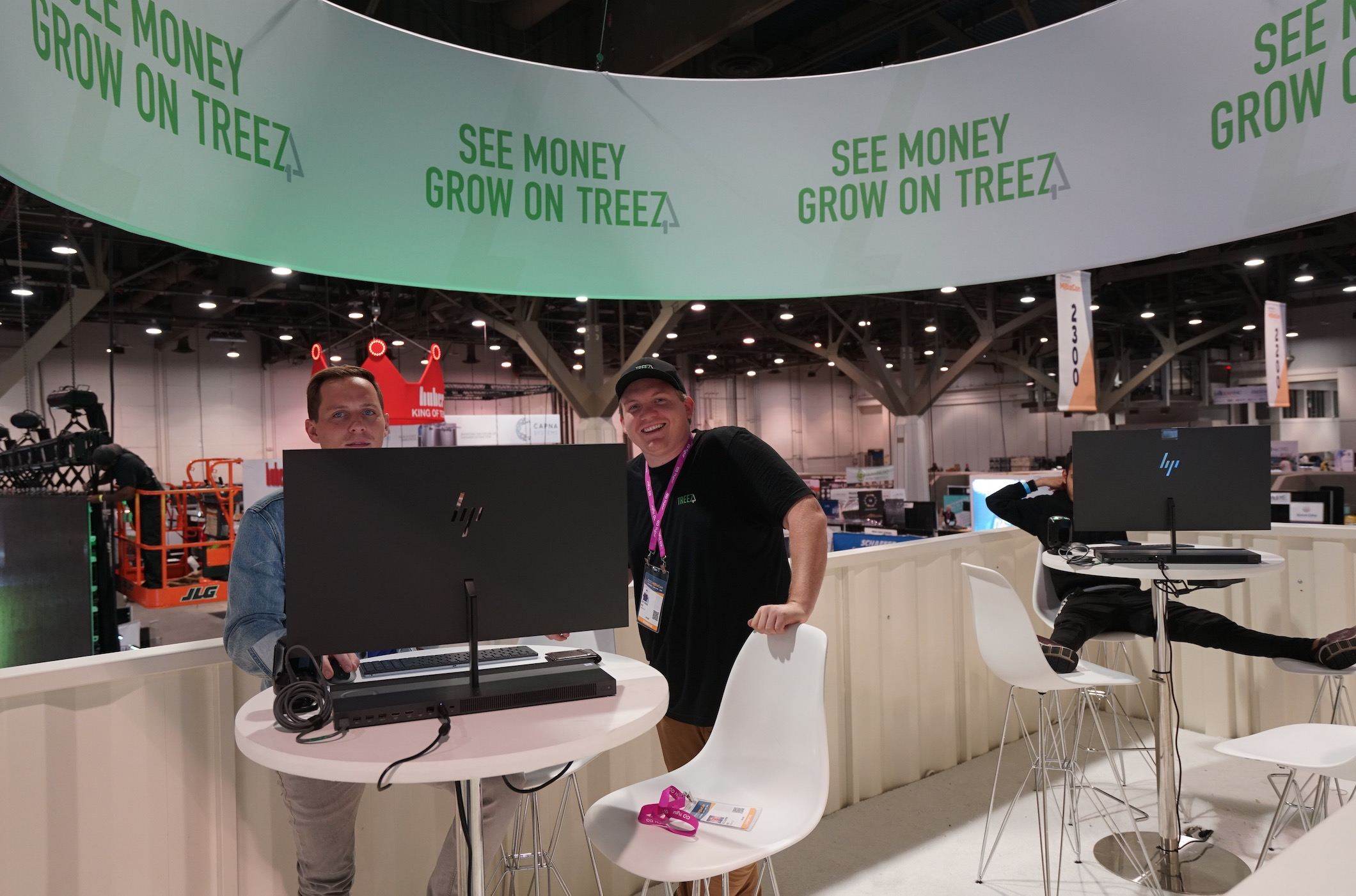 Treez_Booth_Day1_4.jpg