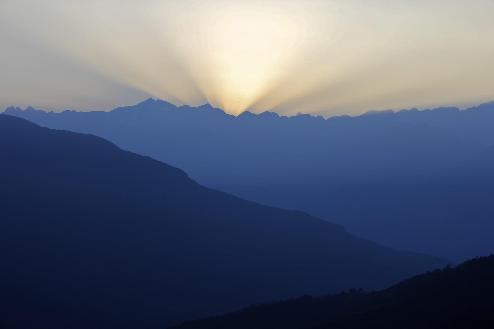 Sunrise over Kangchendzonga