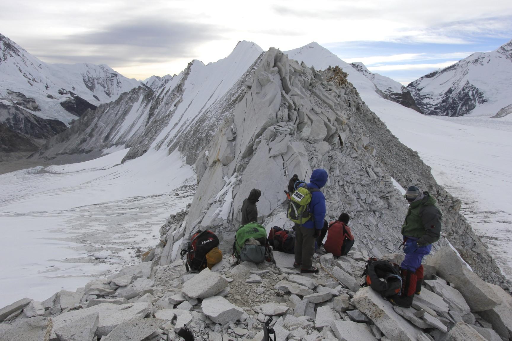 The narrow rib of Sherpani Col early in the morning.