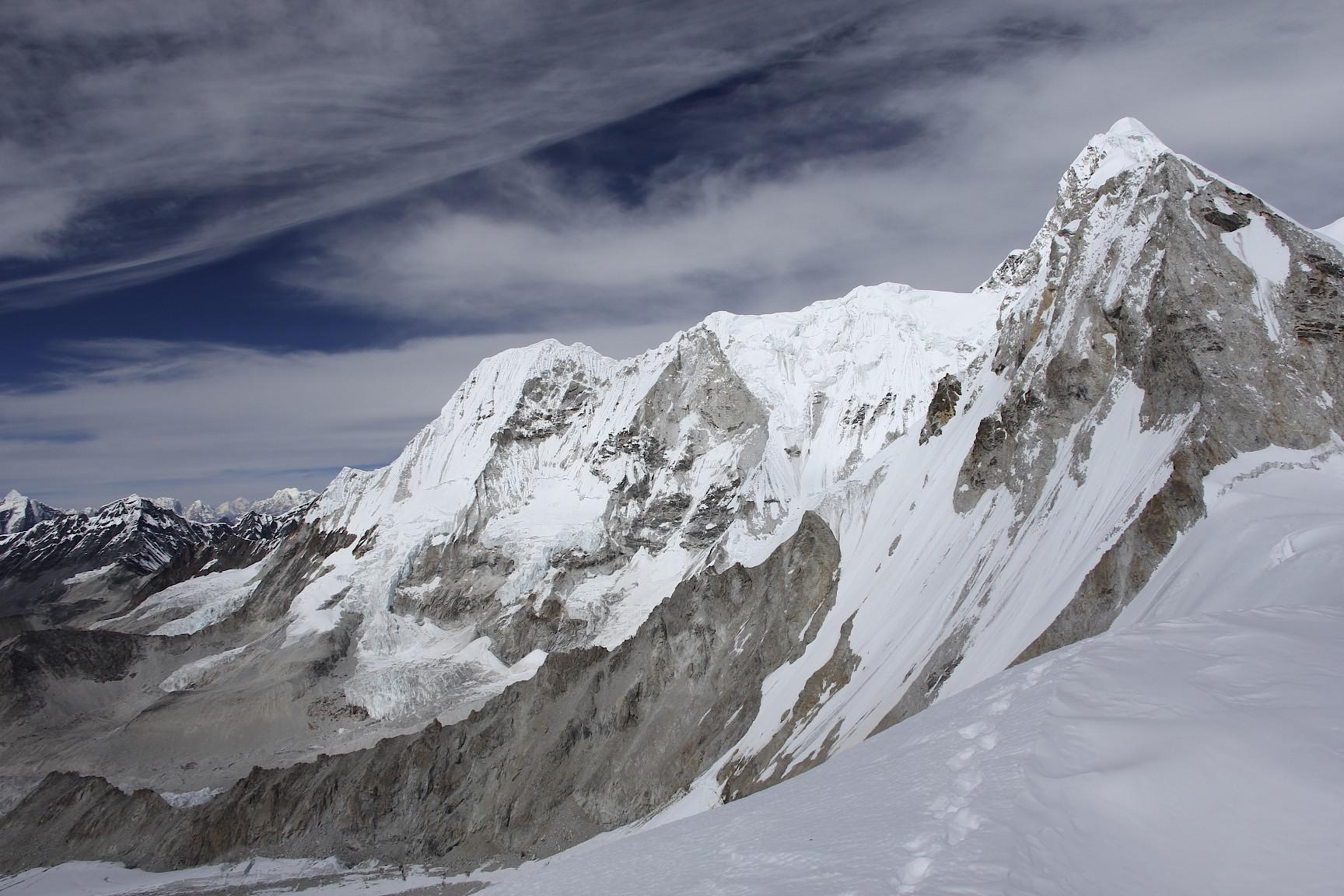 The massif of Baruntse