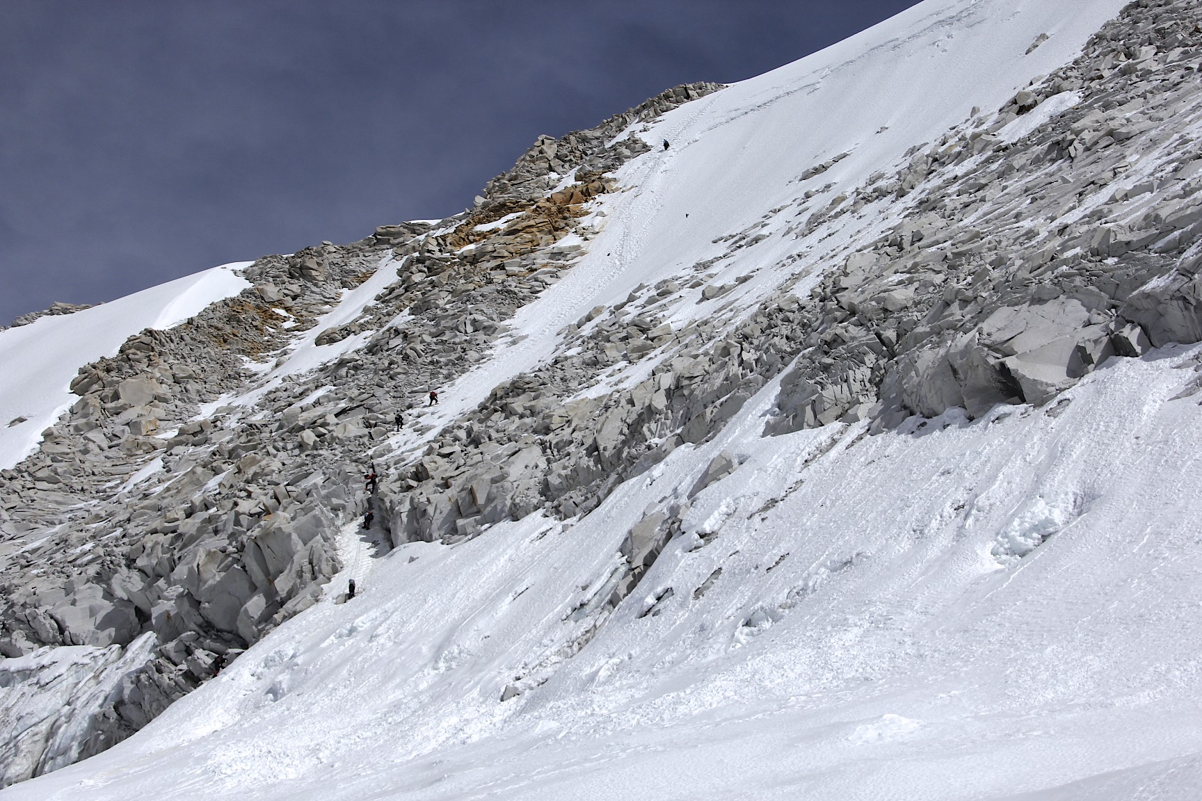 The rocky descent from the West Col from 6,150m to 5,900m