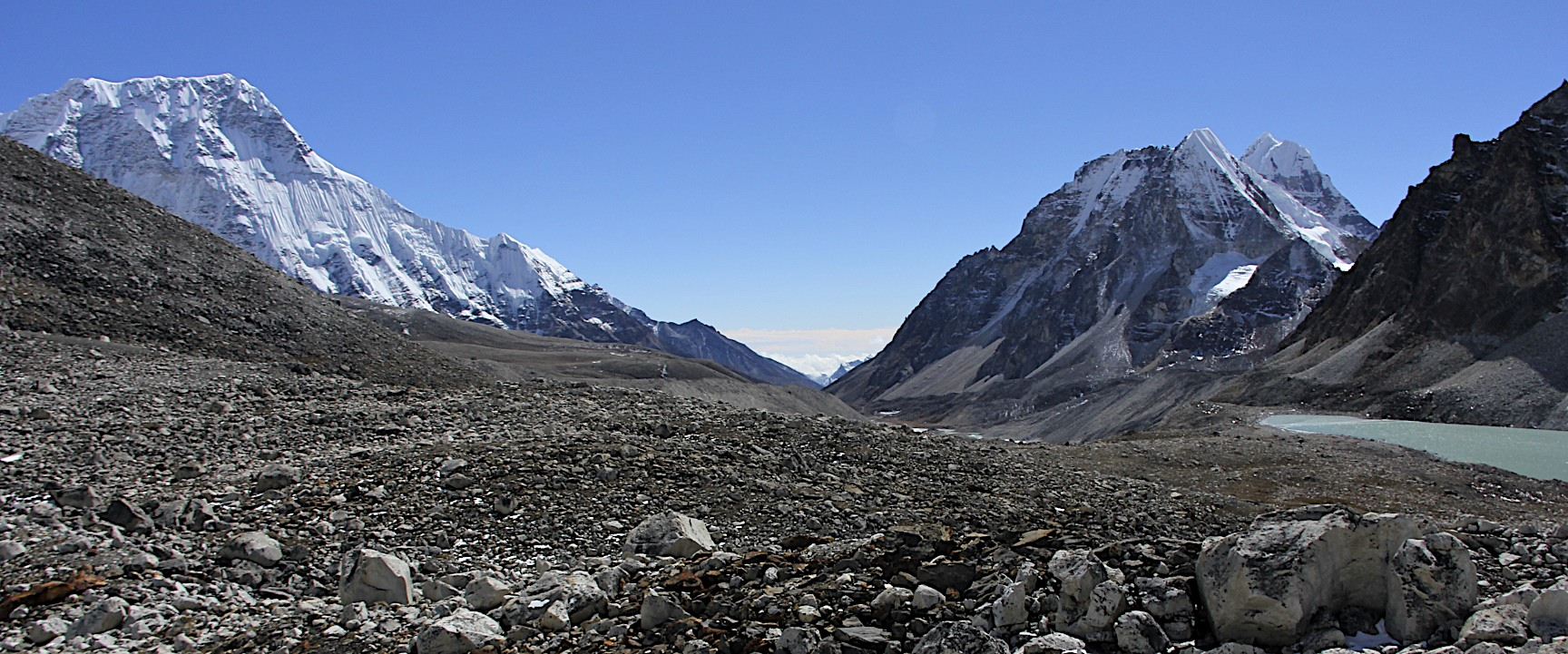 Chamlang on the left and Hinku valley in the centre.
