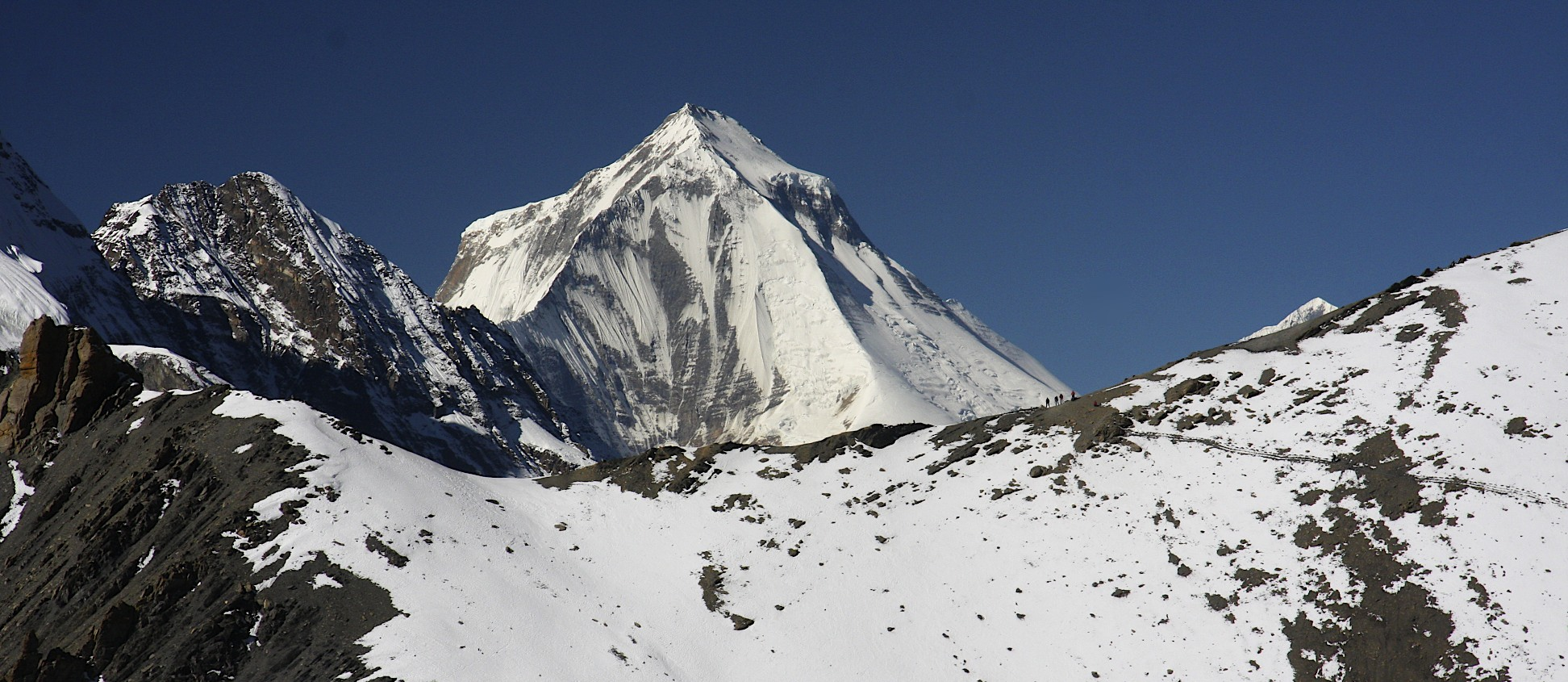 Dhaulagiri I from the way to the Mesocanto Pass