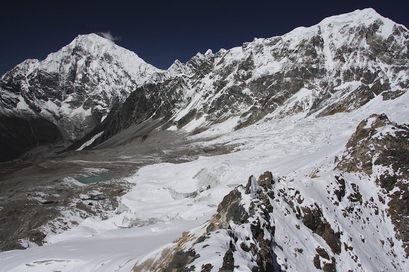 The view from Yala Peak to Langtang Lirung