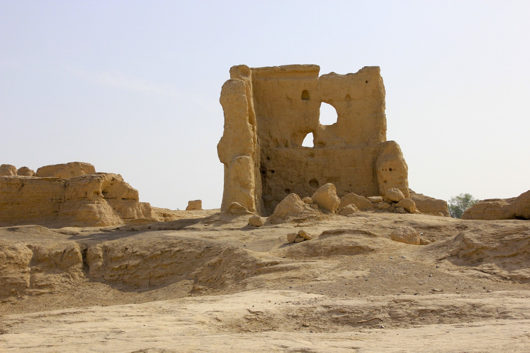 The Jiaohe Ruins, also known as Yar City near Turpan. From 450 AD until 640 AD it became Jiao prefecture in the Tang Dynasty
