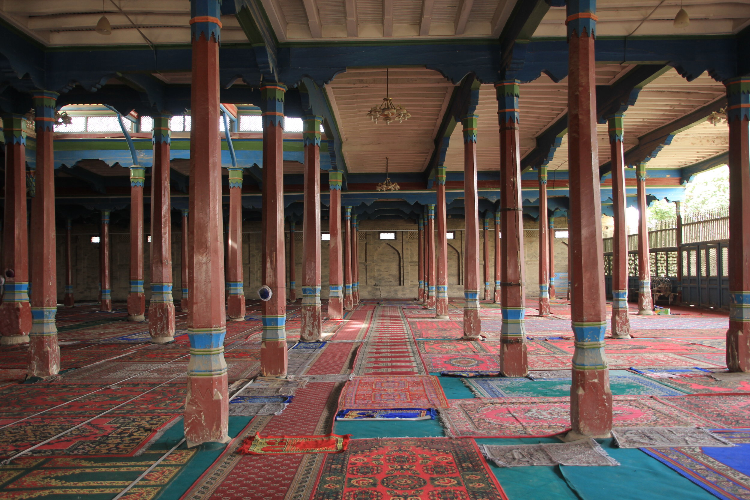 The prayer hall of the Grand Mosque of Kucha.