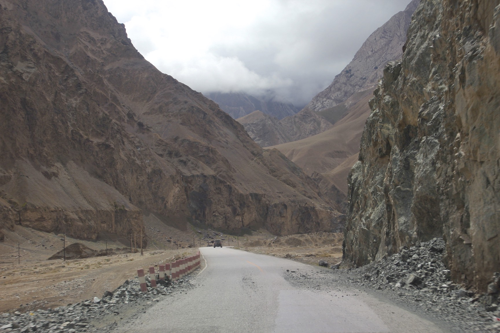 The road from Mazar to Ilik though north Karakoram Mountains