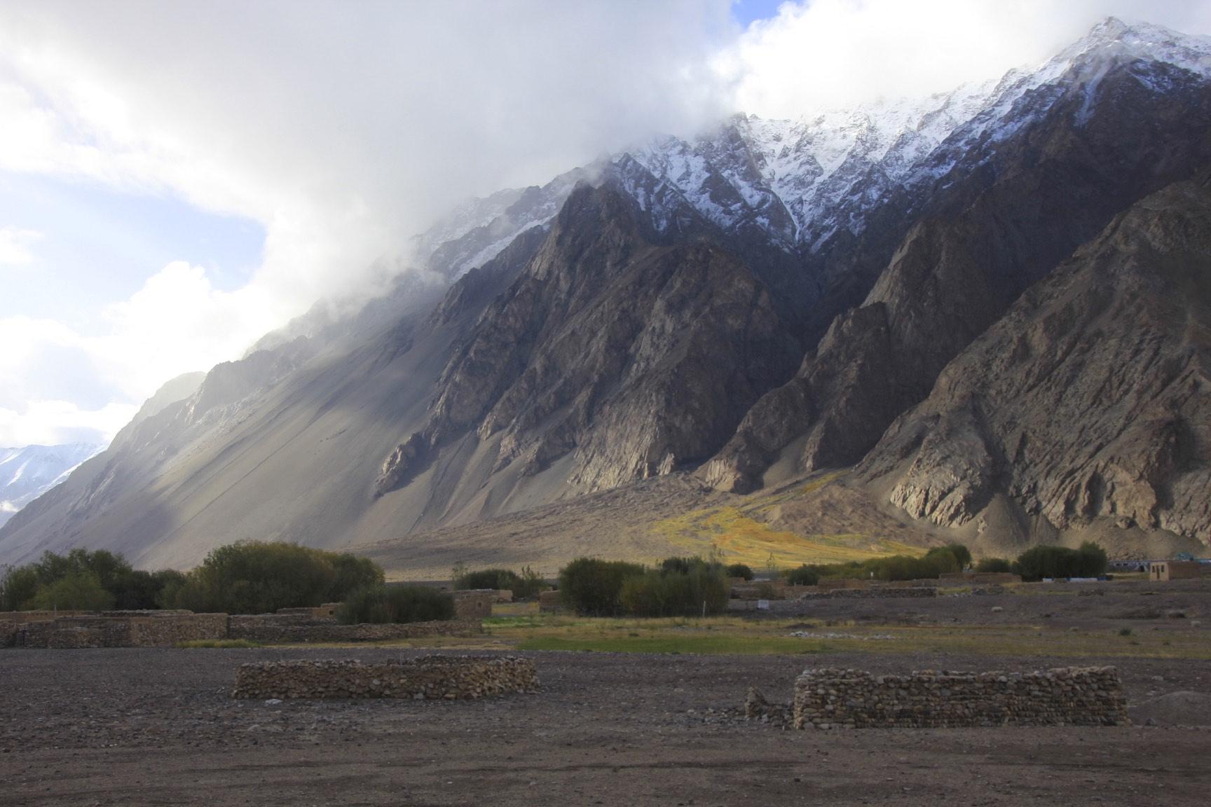 The Karakoram around Ilik