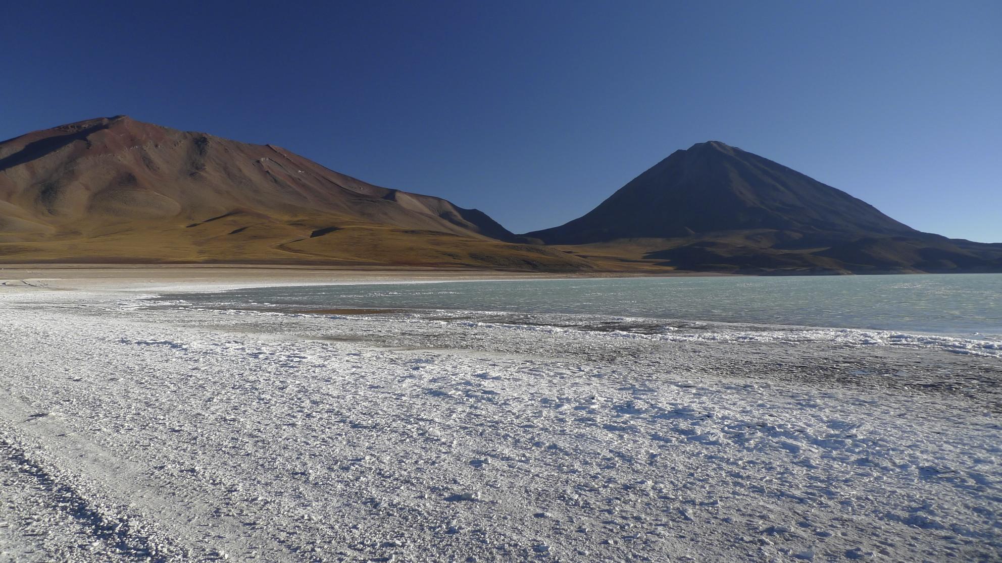 Laguna Verde 4,300m, Volcan Licancabur is on the right. The climb is 1,630m elevation gain.