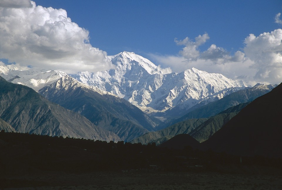 Nanga Parbat, we arrived in Islamabad on June 19. We were unable to get on the flight to Skardu in Baltistan and drove in a big private bus instead. We stopped in Chilas at the K2 Motel after a 12 hours drive at the half way point between Islamabad and Skardu.